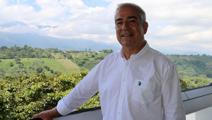 """""""Hay muchos temas fundamentales, pero creo que el turismo es vital"""": Álvaro Arias"""