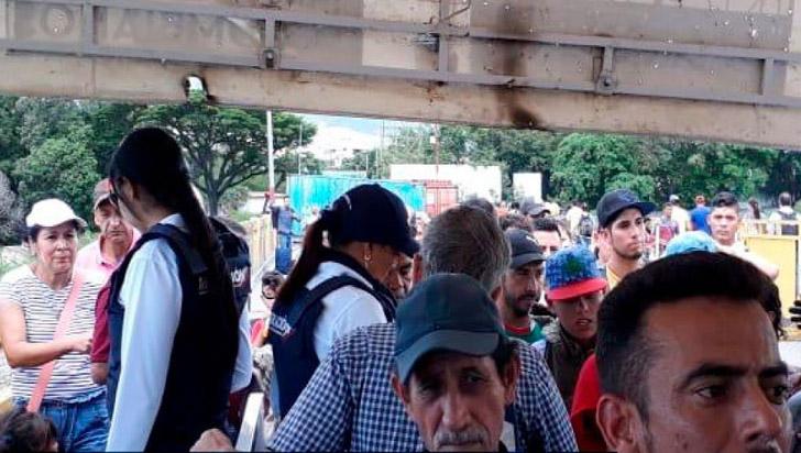 Maduro ordena reapertura peatonal en la frontera entre Colombia y Venezuela