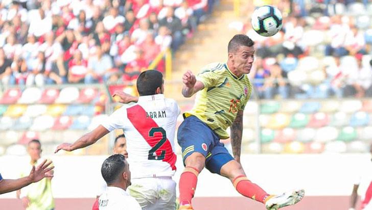 Colombia goleó 3-0 a Perú en Lima en el último amistoso antes de la Copa América