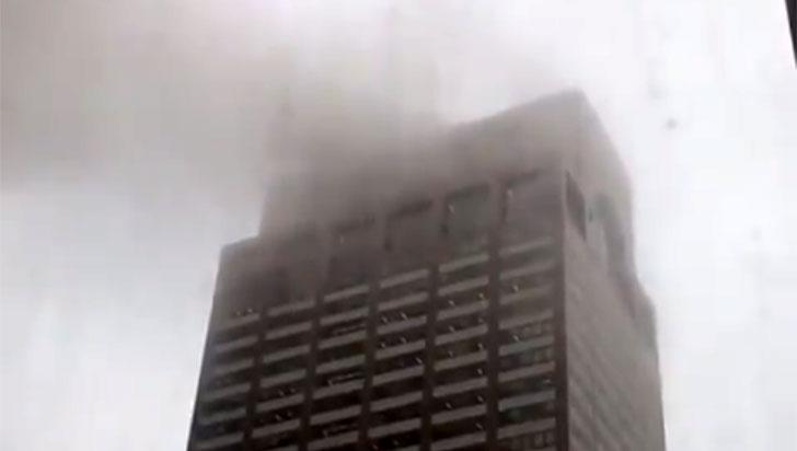 Una persona murió al estrellarse un helicóptero contra un rascacielos en Manhattan