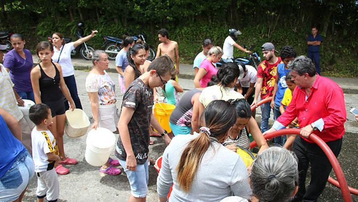 En 10 o 15 días se restablecería el servicio de agua en Montenegro
