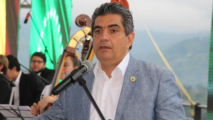 Recuperación del gobernador del Quindío avanza de manera satisfactoria