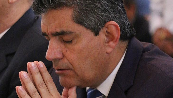 El gobernador Carlos Eduardo Osorio fue hospitalizado y operado de urgencia