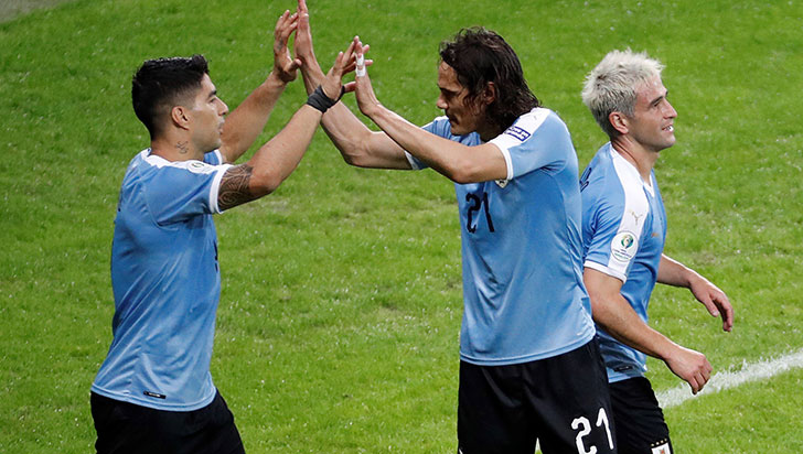 Uruguay venció a Ecuador 4-0 y se consolida como favorito