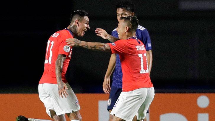 Chile debutó con goleada 4-0 a Japón en el cierre de la primera fecha de la Copa