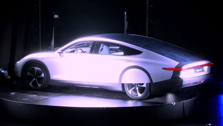 ¿Paneles solares en el techo de los autos?  Pronto se harán realidad