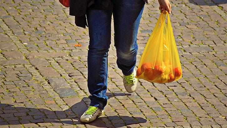 Colombia redujo más de 50 % uso de bolsas plásticas en principales comercios