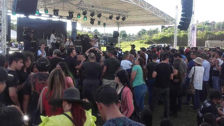 Con Música y marcha, en Salento rechazaron megaminería