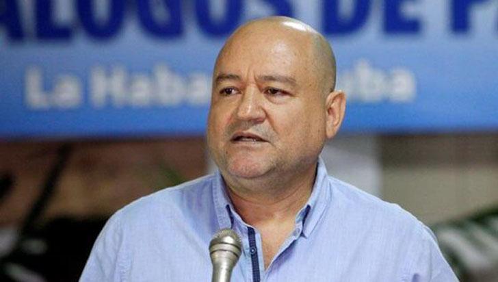 """""""El Estado no ha logrado garantizar la vida de quienes firmamos la paz"""": senador de Farc"""