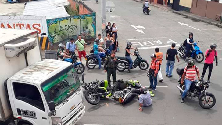 Policía resultó lesionado en accidente de tránsito