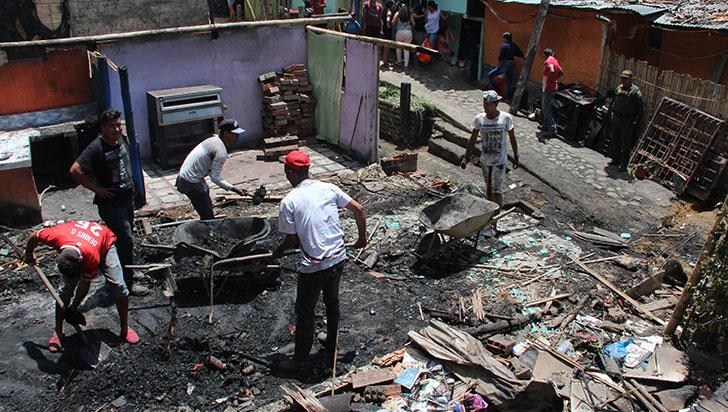 """""""Salí a buscar ayuda, cuando regresé mi casa se había quemado"""": afectado por incendio"""