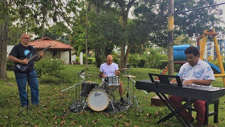 Addisontrio + uno, una banda de música creativa en la región