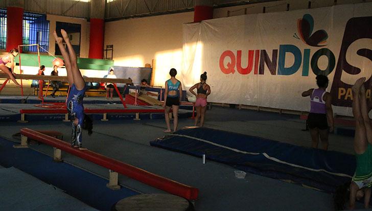 Clubes de gimnasia, inconformes por pago de iluminación; Imdera respondió
