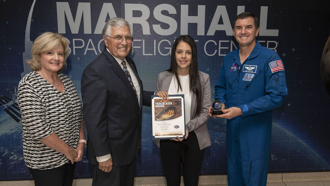 Nasa premia a ingeniera colombiana por sus aportes a misiones espaciales