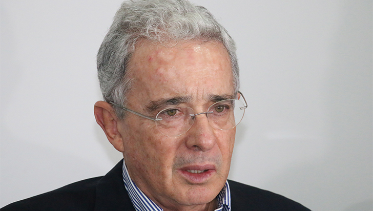 Corte Suprema citó a Uribe a indagatoria por presunto soborno y fraude procesal