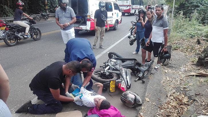 Accidente vía Calarcá a Armenia dejó dos heridos