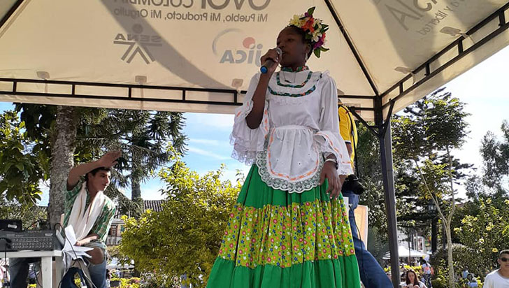 Daniela Torres, ganadora del Turpial Cafetero en la modalidad juvenil
