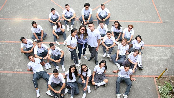 Marco en el espejo, corto con el que estudiantes buscan prevenir suicidios