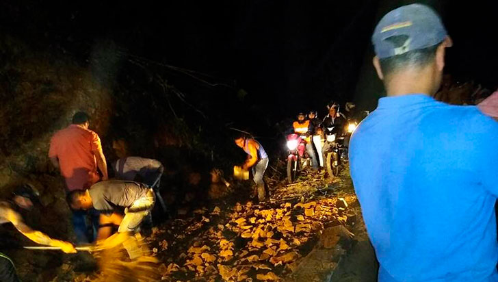 Comunidad de Pijao tomó por su propia cuenta el arreglo de la vía