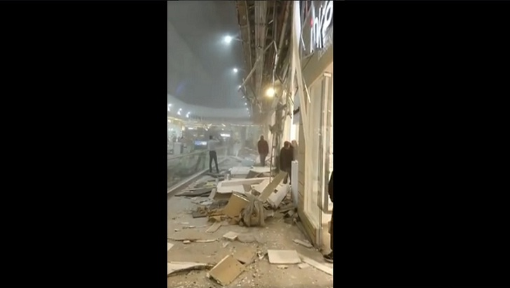 Catorce heridos, ninguno grave, al caer techo de Unicentro Bogotá
