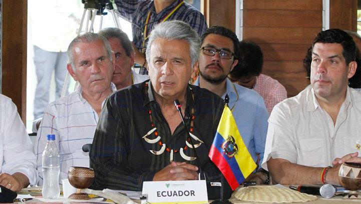 Presidente ecuatoriano propone a Colombia y Perú organizar Mundial de fútbol 2030