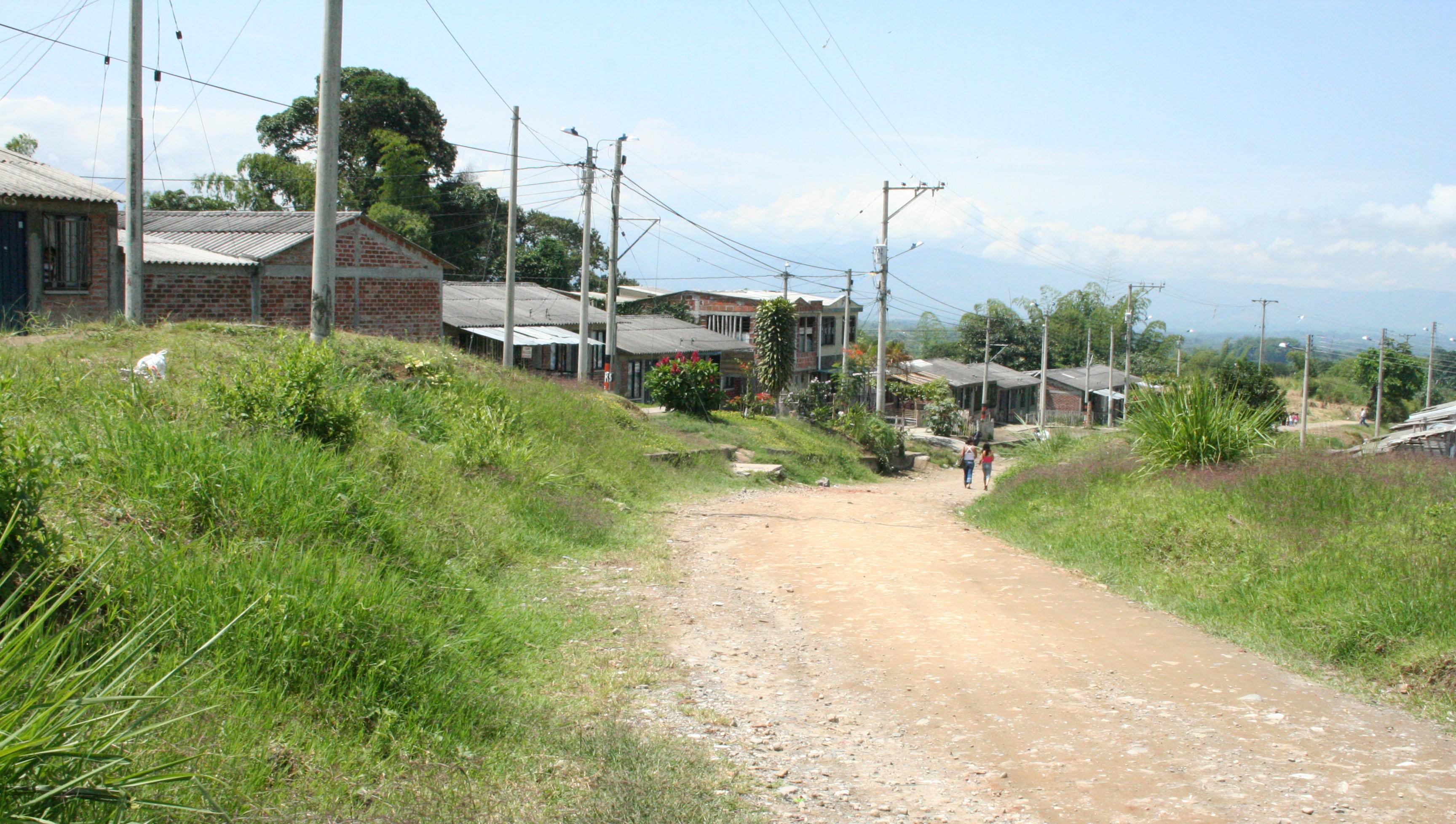 Personas en el barrio Cañas Gordas se enfrentaron a la Policía