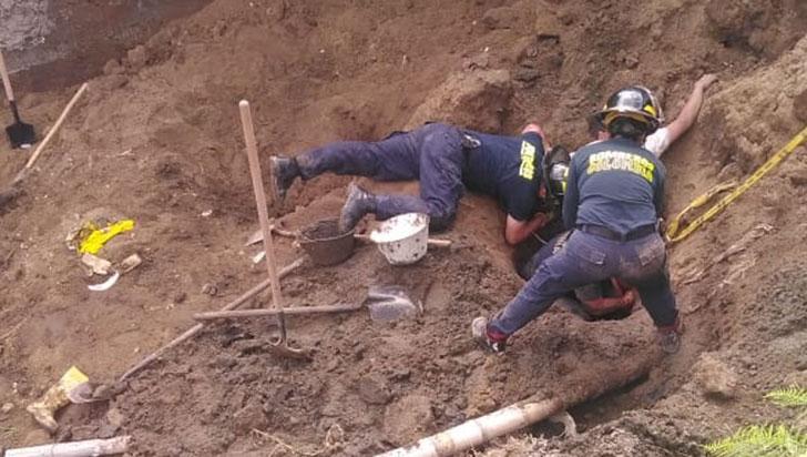 Alud de tierra causó la muerte de un obrero
