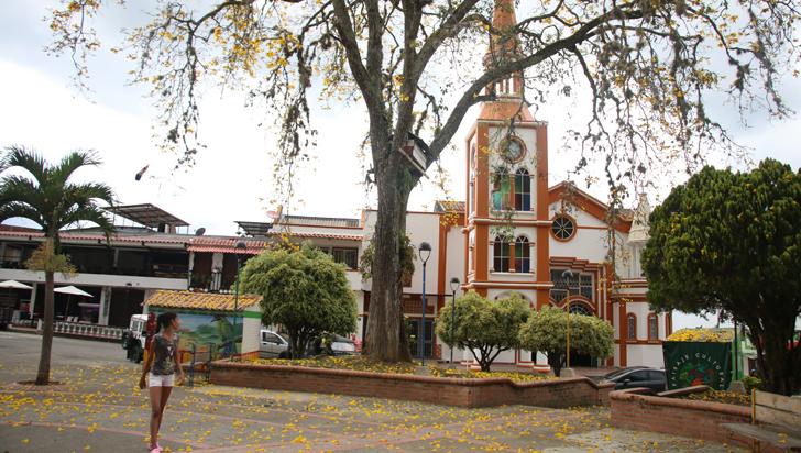 Candidatos a la alcaldía de Buenavista, este viernes en el debate de LA CRÓNICA
