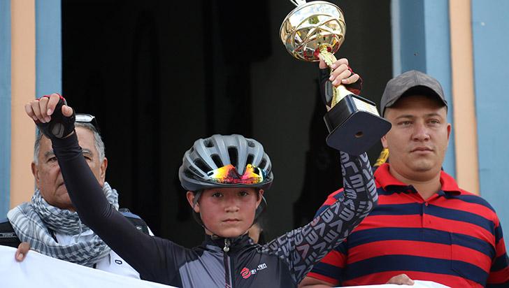 Este martes, Esteban Mejía viajará a Bolivia por marca mundial
