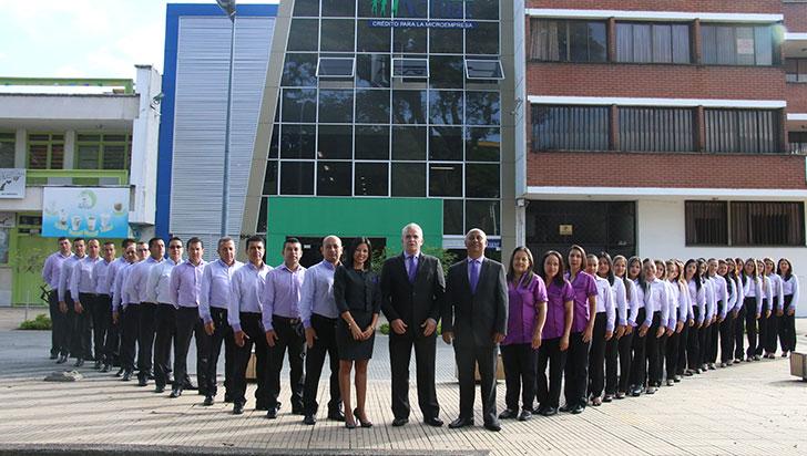 Con reconocimiento a microempresarios, Actuar celebra 30 años