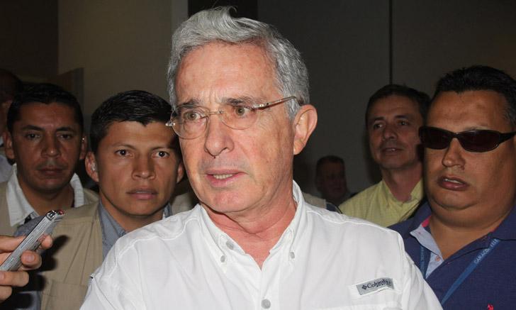 Álvaro Uribe a indagatoria, el búmeran de una demanda