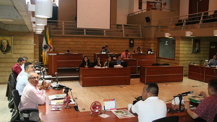 Buró de convenciones y adición de presupuesto, a debate en el concejo