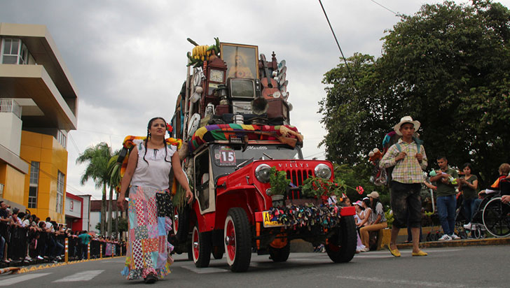 """""""Cuando creamos el yipao, nunca imaginamos coleccionistas en el desfile"""""""