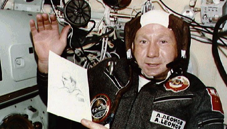 Falleció el primer humano en realizar una caminata espacial