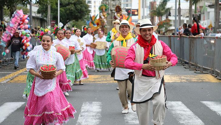 Identidad y tradición, lo que se vivió en desfile Cuyabro