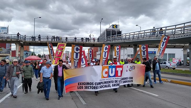 Trabajadores protestaron contra una posible reforma laboral de Duque