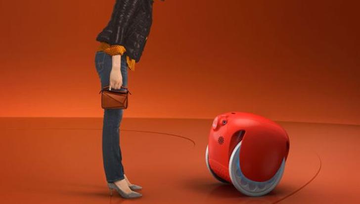¡Este robot podrá seguirlo y ayudarlo a cargar sus compras!