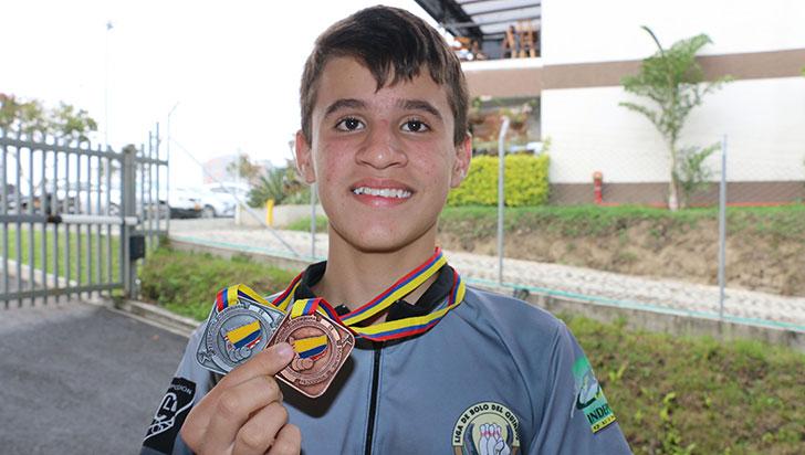 Miguel Londoño, a sus 12 años, una realidad del bolo quindiano