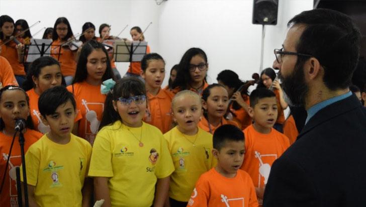 Más de 300 niños quindianos tocarán con la orquesta de tango de Medellín