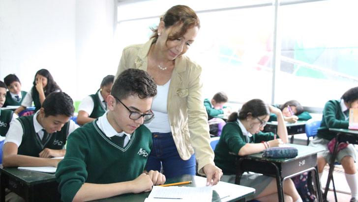 Cerca del 30 % de los jóvenes en Colombia no ha ido a una escuela