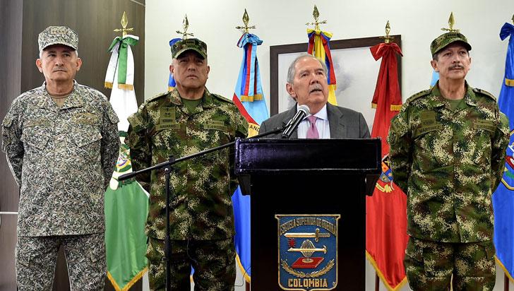 Renunció ministro Defensa de Colombia tras escándalo por masacre de ocho menores