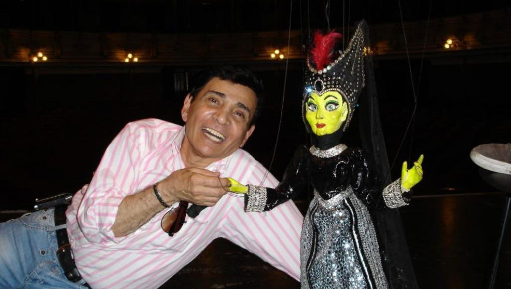 Falleció el artista y director de teatro Jaime Manzur en plena presentación