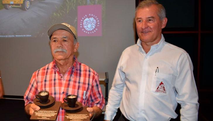 Caficultor calarqueño, doble  ganador en certamen del PCC