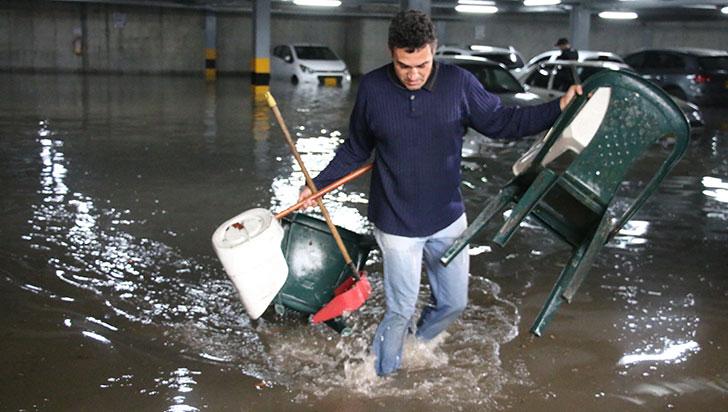 Inundaciones y árboles caídos, saldo de fuertes lluvias de este viernes