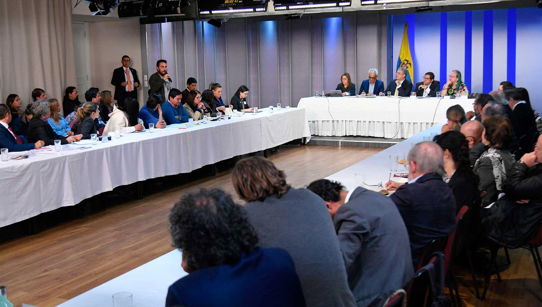 Gobierno aceptó diálogo directo con líderes de protestas sociales