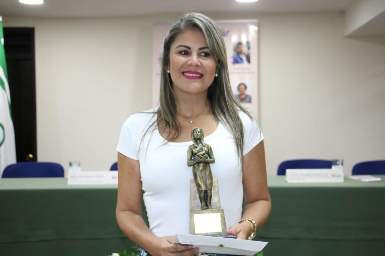 Julieth Tejada Gil es la nueva Mujer Comfenalco