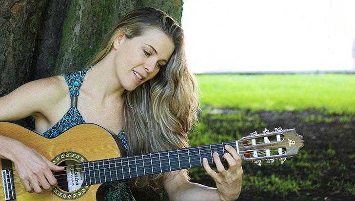 Katie James cantará con sabor a campo en Armenia