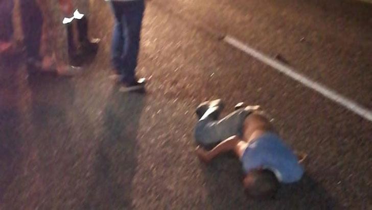 Fue atropellado cuando  cruzaba la autopista del Café