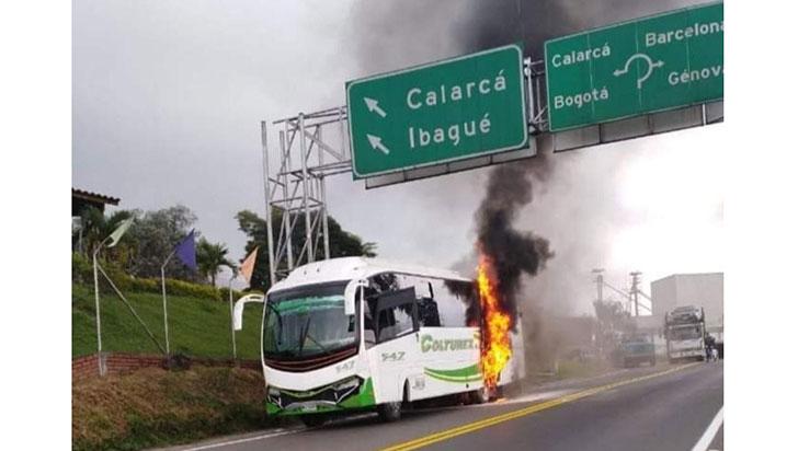 Bus se incendió en la Ye