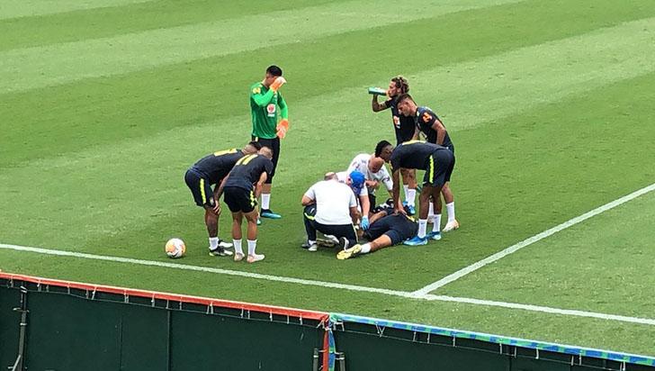 El defensa brasileño Walce, baja para el Preolímpico de Colombia por lesión